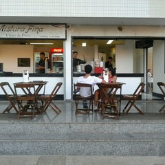 Photo taken at Mistura Fina Pizzas e Crepes by Hugo T. on 9/5/2012