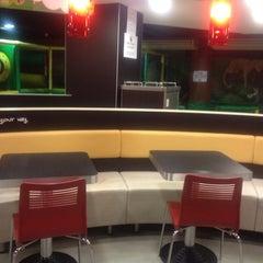 Photo taken at Burger King by Alina Y. on 3/29/2012