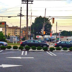 Photo taken at Dunkin' Donuts by Jessica L. on 7/15/2012