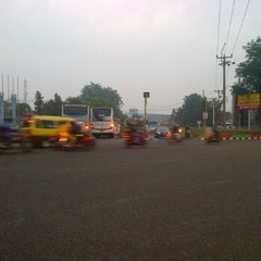 Photo taken at Lampu Merah Pertigaan Bypass by Miftakhun K. on 6/4/2012