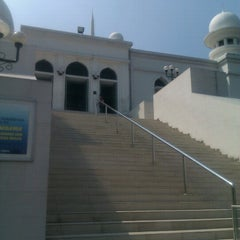 Photo taken at Masjid Agung Al-Azhar by kusnaryani h. on 6/16/2012