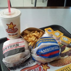 Photo taken at Carl's Jr. by Mikle (Savage) S. on 7/1/2012