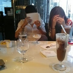 Photo taken at Café de JURA by Joon Pil Y. on 8/26/2012