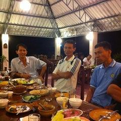 Photo taken at สวนครัวเรืองรุ่ง @ ท่าหลวง ลพบุรี by นางเอก on 8/19/2012