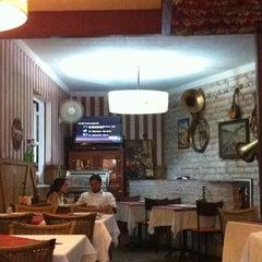 Photo taken at Café Viena Beer by Marilia .. on 2/8/2012