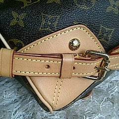 Photo taken at Louis Vuitton by Wslestari n. on 8/23/2012