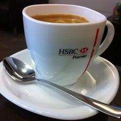 Photo taken at Lounge HSBC Premier by HELENI HARUMI K. on 8/6/2012