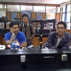 Photo taken at Fakultas Teknik Geologi by Hari F. on 7/3/2012