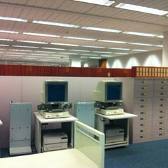 Photo taken at Research Assistance at Snell Library Northeastern University by Totsaporn I. on 4/22/2012