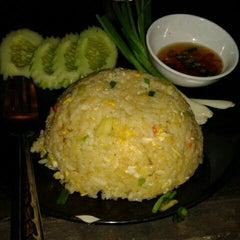 Photo taken at หลังจันทร์ by Wirat C. on 3/13/2012