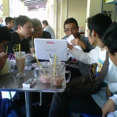 Photo taken at Menyenk Cafe by Hismart H. on 9/2/2012