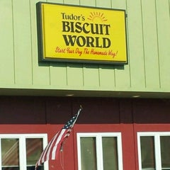 Photo taken at Tudor's Biscuit World by Dave S. on 5/19/2012