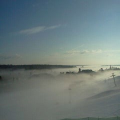 Photo taken at Calabogie Peaks by Ashley C. on 3/13/2012