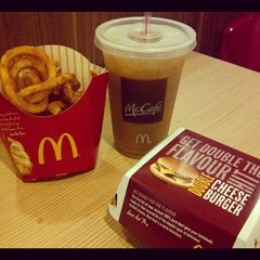 Photo taken at McDonald's by Paolo T. on 9/13/2012