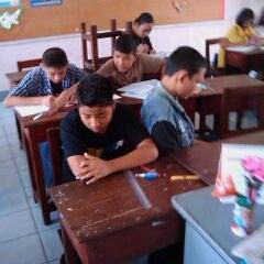 Photo taken at โรงเรียนพร้อมพรรณวิทยา by Natchaya S. on 2/11/2012