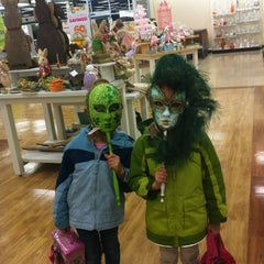 Photo taken at HomeGoods by Cassandra M. on 2/26/2012