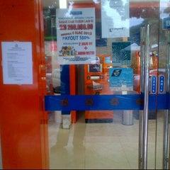 Photo taken at Bank Rakyat Caw. K.Terengganu by emirul™♔ on 3/8/2012