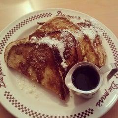 Photo taken at Du-par's Restaurant & Bakery by Josh R. on 8/12/2012