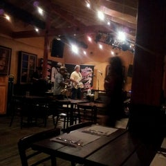 Photo taken at Stevie's Creole Cafe & Bar by Imtiaz S. on 8/17/2012
