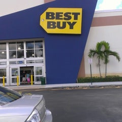 Photo taken at Best Buy by Tony A. on 8/9/2012