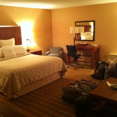 Photo taken at Four Points by Sheraton BWI Airport by Peter M. on 8/12/2012