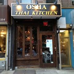 Photo taken at Osha Thai Kitchen by ศศิ ร. on 8/31/2012
