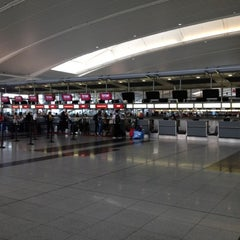 Photo taken at John F. Kennedy International Airport (JFK) by Victoria on 8/11/2012