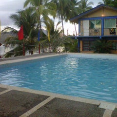 Photo taken at Dive Link Poolside by Victoria C. on 2/7/2012