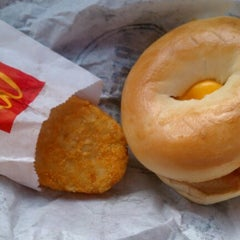 Photo taken at McDonald's by Deep on 7/28/2012