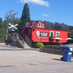 Photo taken at Moser's Ice Cream Caboose by Gary W. on 9/10/2012