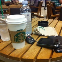 Photo taken at Starbucks | ستاربكس by Ahmad A. on 4/16/2012