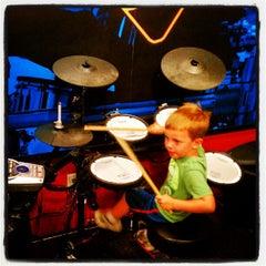 Photo taken at Guitar Center by Jon E. on 6/29/2012