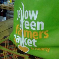 Photo taken at Yellow Green Farmers Market by Rhandi E. on 2/19/2012