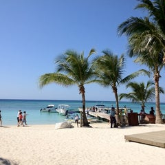 Photo taken at Infinity Bay by Jed R. on 3/21/2012