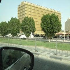 Photo taken at Ramada Intersection | تقاطع رامادا by Elma B. on 8/14/2012
