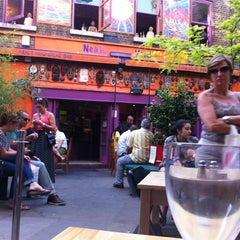 Photo taken at Neal's Yard Salad Bar by Hein K. on 5/27/2012