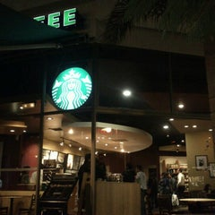 Photo taken at Starbucks by Carito M. on 7/19/2012