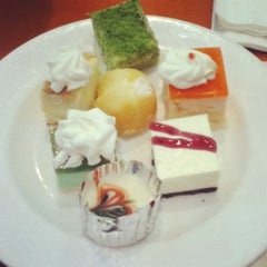 Photo taken at Ichi Umi by Mantoll A. on 8/14/2012