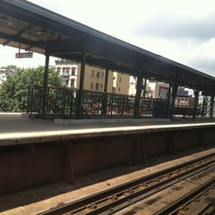 Photo taken at Metro North - Harlem 125th Station by digenger on 7/29/2012