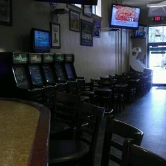 Photo taken at NZ's Bar & Grill by K-Razy on 3/30/2012