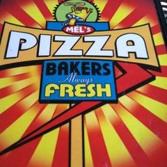 Photo taken at Mellow Mushroom Pizza by Jenny J. on 4/30/2012