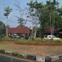 Photo taken at Fakultas Teknik by Mulyo P. on 9/1/2012