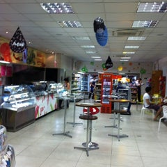 Photo taken at Star Posto 24 Horas (Ipiranga) by Manoel F. on 6/2/2012
