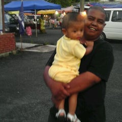 Photo taken at Pasar Malam Bandar Al-Mutafibillah,Terengganu by Bentara K. on 5/21/2012