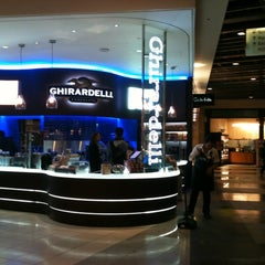 Photo taken at Ghirardelli On-The-Go by Bianca H. on 4/16/2012