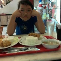 Photo taken at KFC by Pasmagazine . on 6/12/2012