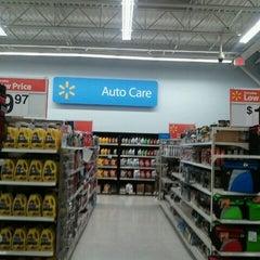 Photo taken at Walmart Supercenter by Robert Dwight C. on 4/4/2012