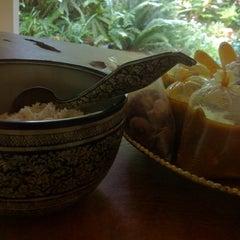 Photo taken at วัดชลธาราม by Bon K. on 3/23/2012