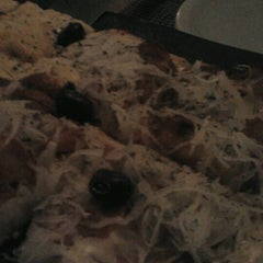 Photo taken at Candeeiro Pizza & Crepe by Kelly S. on 9/3/2012