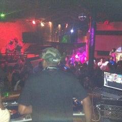 Photo taken at Mixx Ultra Lounge by Kick L. on 5/28/2012